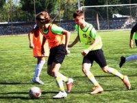Manisa'dan Ege Bölgesi Karmasına 7 Futbolcu Seçildi