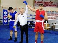 Akhisarlı Deniz Güngör, Boksta Türkiye Şampiyonu