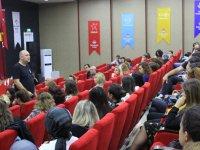 Bahçeşehir Üniversitesi iletişim fakültesi dekanı prof. Dr. H. Kemal suher Bahçeşehir Koleji velileri ile buluştu