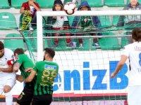 Akhisarspor, B.B. Erzurumspor'u elinden kaçırdı