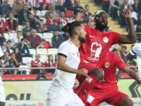 Akhisarspor, Antalyaspor deplasmanında 3 puanı kaptı