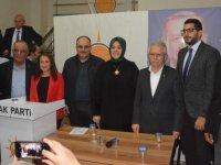 Nefise Şükran Füzün, Belediye başkan aday adaylığını açıkladı