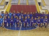 Basketbolda Akhisargücü U-14 kız takımı, Yunusemre Belediyespor'a konuk oldu