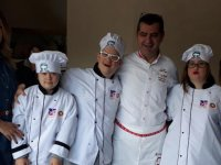 Akhisarlı Down Şefi Yasemin Eraslan aşçılık eğitimine başladı