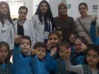 Özel Dent Akhisar Ağız ve Diş Sağlığı Polikliniği Diş Hekimleri Gününü kutladı