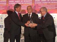 Avni Erboy, Avrupa Fair Play Büyük Ödülü'nü aldı