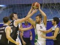 Akhisarlı Devler evinde Socar Petkim Spor'u 84-77 yendi