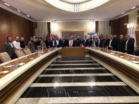 Akhisar'ın ödüllü berberi Ferdi Deren, Ankaralı kuaförleri bilgilendirdi