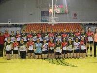 Zeynep Gulin Öngör voleybol takımı, Turgutlu Belediye'yi 3-2 ile geçti