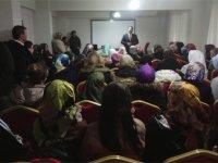 Akhisar'dan umreye giden vatandaşlar dualarla kutsal topraklara uğurlandı
