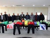 Akhisar Belediyesinden 4 amatör futbol kulübüne malzeme desteği