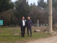 Mezarlık yolunda bakım