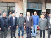 Eryüksel, AK Parti Manisa il başkanı Mersinli ile Akhisarlı esnaftan destek istedi