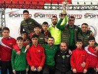 Akhisar Belediyespor Güreş takımı yıldızlarda takım olarak Türkiye üçüncüsü oldu