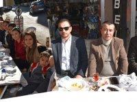 Hüseyin Eryüksel, 44 sokak esnafıyla kahvaltıda buluştu