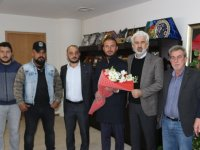 Akhisarlı Karadenizlilerden, Belediye Başkanı Hızlı'ya teşekkür ziyareti