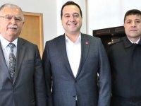 Akhisar Kaymakamı Sabit Kaya'dan, Belediye Başkanı Besim Dutlulu'ya ziyaret