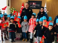 Özel Pinokyo öğrencileri Polis Haftasını kutladı