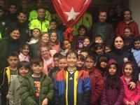 Özel Deniz Kişisel Gelişim Kursu Öğrencileri Polis Haftasını kutladı