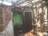 Başlamış Mahallesindeki yangında bir ev kullanılmaz hale geldi