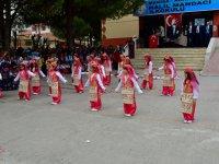 Halil Mandacı İlkokulu'ndan muhteşem 23 Nisan kutlama programı