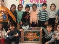 Zübeyde Hanım Anaokulu öğrencileri ve öğretmenleri Deniz Anaokulunda