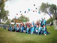 Ülkü Ortaokulu mezuniyet sevinci