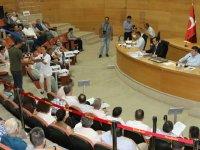 Akhisar Belediye Meclisinde gündem hayvanlar için doğal yaşam alanı oldu