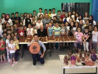 Özel Şefkat Okulunda çömlek etkinliği