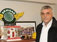 Akhisarspor Başkanı Eryüksel, transfer yasağı haberini yalanladı