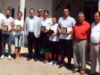 Akhisarlı Eczacılardan Mustafa Kirazoğlu Devlet Hastanesine destek