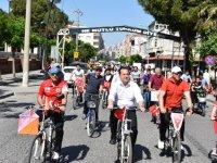Akhisar'da bisikletçiler sağlıklı yaşam için buluşuyor