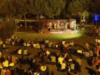 Akhisar'da yaz ayları çok renkli geçiyor