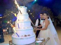 Dilan ile Mert muhteşem bir düğün ile dünya evine girdi