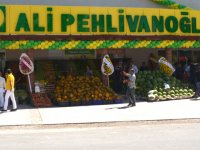 Ali Pehlivanoğlu, Akhisar'daki yedinci mağazasını hizmete açtı