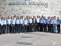 Başkan Besim Dutlulu, Zabıta haftasını pasta keserek kutladı