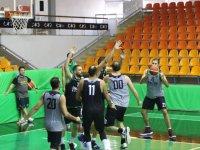 Akhisar Belediye Basketbol evinde moral arıyor