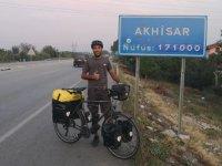 Almanya'dan bisiklet ile dünya turuna çıkan Karaca, Akhisar'a vardı