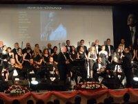 Akhisar Belediyesi TSM Cumhuriyet konseri izleyenleri mest etti