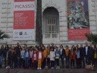 Akhisar Belediyesi çocukları sanatla buluşturmaya devam ediyor