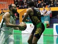 Akhisar Basket, evinde Gemlik Basketbol'u son çeyrekte yıktı