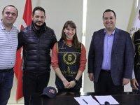 Dünya Şampiyonu Ayşe Begüm ve takımı Akhisar Belediye Spor'da