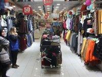 Hanaylı Center Akhisarlıları mağazasına davet ediyor