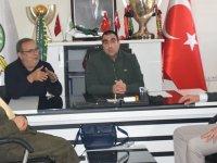 İYİ Parti'den Akhisarspora tam destek