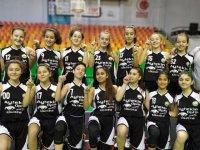 Ali Şefik Ortaokulu Yıldız Kız Basketbol takımı il şampiyonu