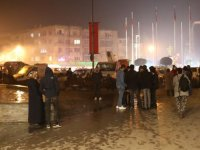 Akhisar'da 4.7 büyüklüğünde deprem vatandaşı sokağa döktü