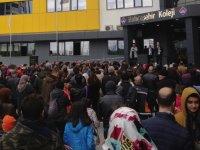 Akhisar Bahçeşehir Koleji bursluluk sınavına yoğun ilgi