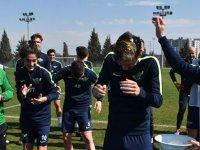 Akhisarspor'da neşeli antrenman!