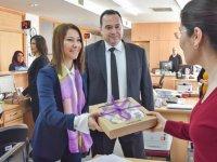 Belediye Başkanı Besim Dutlulu, personelin kadınlar gününü kutladı
