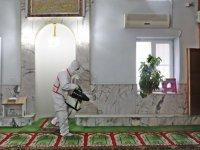 Akhisar Belediyesi camileri dezenfekte etmeye başladı